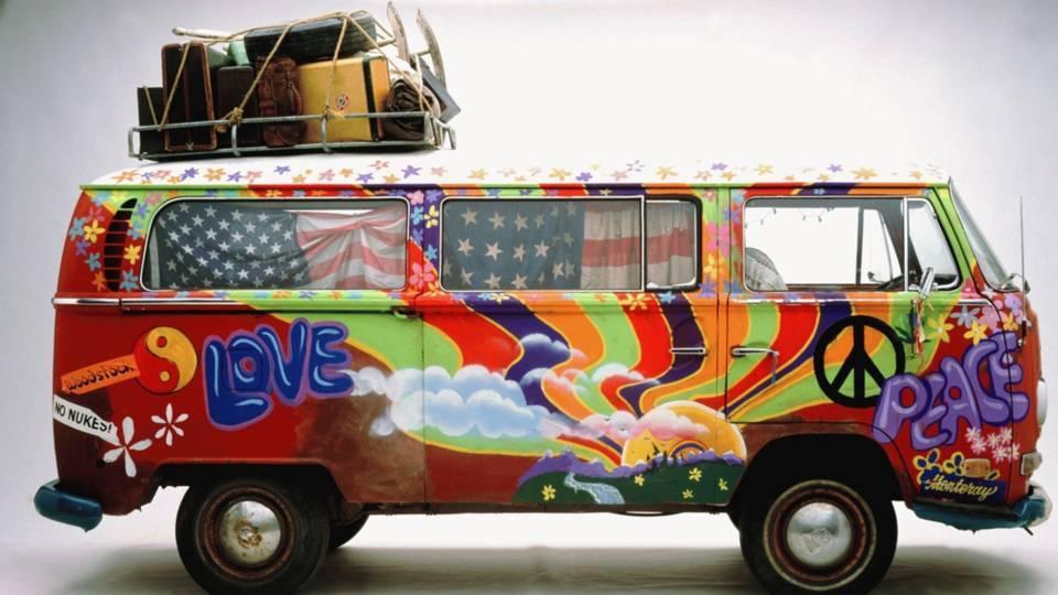 Ogni attimo è nostro di Luigi Ballereini_Furgoncino hippy