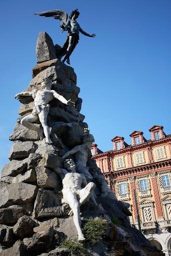 L'Atlante del cielo di Edward Brooke-Hitching_Monumento del Frejus Torino
